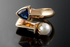 18 karat gold, sapphire and pearl